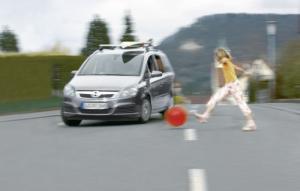 Leicht zu überhören - und deshalb gefährlich: Elektroautos. Foto: ZF Friedrichshafen