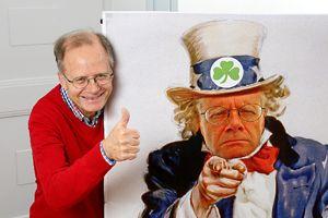 Thomas Henrich mit dem Plakat des Freiwilligen Zentrum Fürth. Foto: Mile Cindric