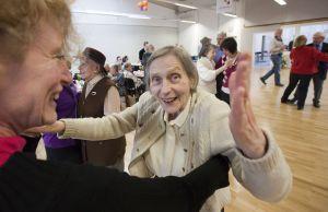 Der Zugang zu Demenz-Patienten ist oft schwierig. Musik kann in der Therapie einen positiven Einfluss haben.  Foto: epd