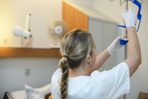 Welche Therapie ist richtig - und vor allem notwendig? Um das herauszufinden, ist unabhängige Beratung notwendig. Foto: epd