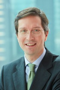 Dr. Daniel von Borries - Mitglied des Vorstands der ERGO Versicherungsgruppe AG setzt auf das Geschäft mit Zusatzversicherungen.  Foto: PR