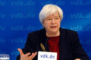VdK-Präsidentin Ulrike Mascher freut sich über den großen Erfolg der Kampagne zur Pflegereform. Foto: