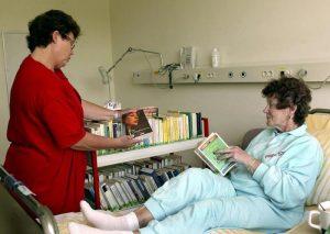 Auch in manchen Krankenhäusern wird Patienten ein solcher Service geboten. Foto: epd