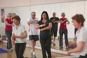 Bewegung ist in jedem Alter für das Herz-Kreis-Laufsystem wichtig. Foto: epd