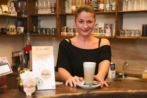 Neuere Forschungsergebnisse zeigen, dass Kaffee das Gedächtnis stärkt. Foto: epd