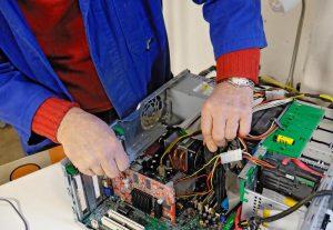 Mann weiß nie, was man so alles in seinem Computer findet, wenn man sich mit ihm vertraut macht. Foto: epd