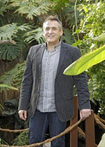 Gartengestalter Fritz Bodin weiß, was man tun muss, damit einem das Grün nicht über den Kopf wächst. Foto: Michael Matejka