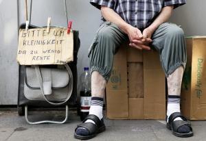 Bald die Regel, statt die Ausnahme wird Altersarmut, wenn sich die Rentenpolitik nicht verändert. Foto: © epd-bild / Alexander Stein