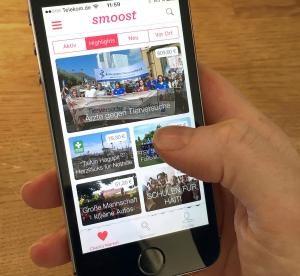 """Spenden lässt sich auf vielerlei Arten und Weisen - auch mit dem Smartphone mithilfe der Die Bamberger Spendenapp """"Smoost"""". Foto: epd / Daniel Staffen-Quandt"""
